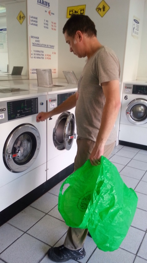 David looking some what bewildered by having to use a French washing machine.