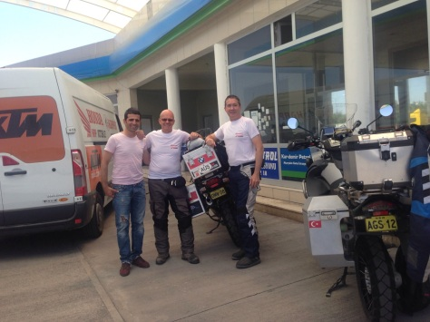 Meeting up with our Tyre contact person Oktar at a petrol station.
